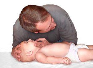 respiración boca a boca bebés